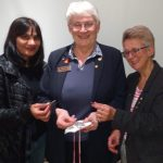Moira Bartlett shows her Maundy Money to Bakhokaur and Babs