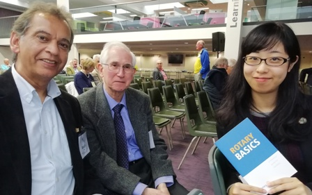 Novus novices Rtn Ranjit Mann and Mai Tsumura were able to rely on the experience of Novus founder-member Prof Bert Thurston