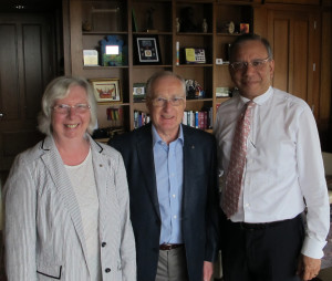 Pam and Rodney Spokes meet President of Rotary International K R 'Ravi' Ravindran
